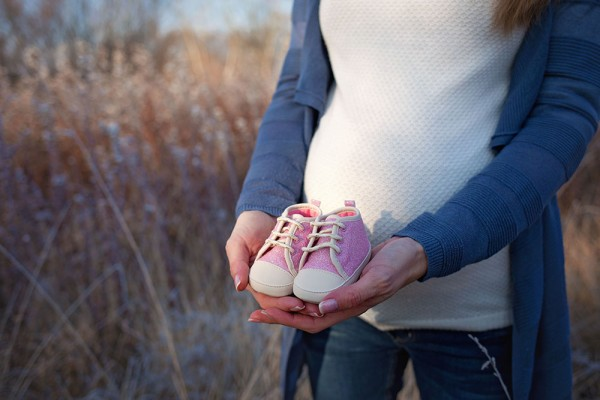 mali-srcki-fotografiranje-otrok-nosecnisko-v-naravi-4