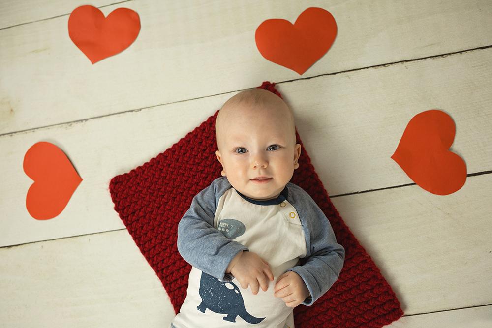 mali srčki - fotografiranje novorojenčkov_družin_otrok_mini_valentinovo 1