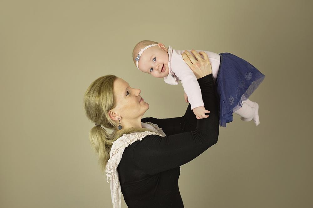 mali srčki - fotografiranje novorojenčkov družin in otrok - dojenčki 11