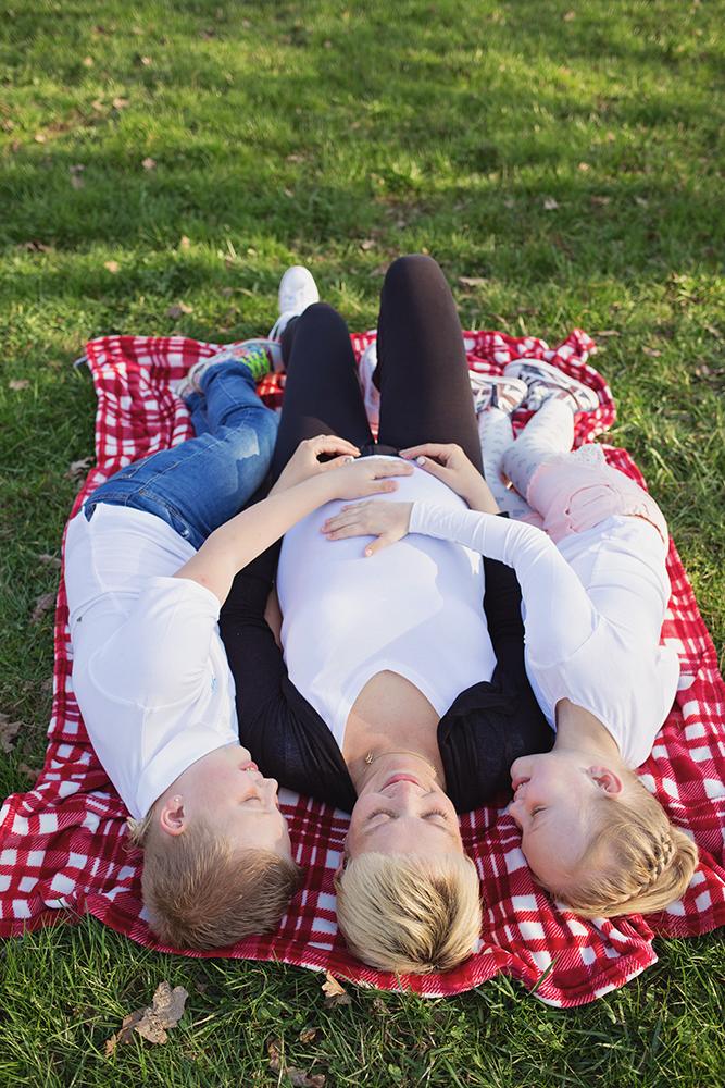 Mali srčki - fotografiranje družin, dojenčkov in otrok - nosečniško fotografiranje 2