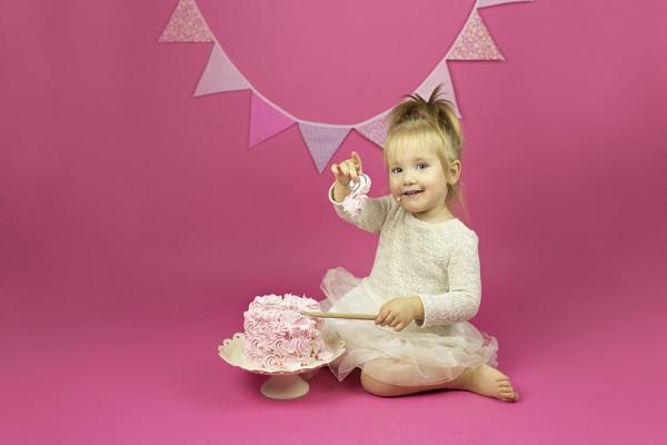 mali srčki-cake smash-rojstno dnevno fotografiranje3