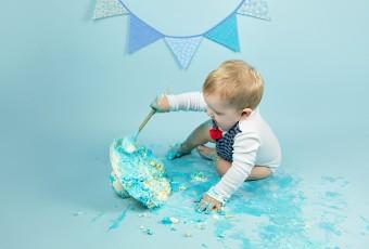 mali srčki - cake smash fotografiranje - prvi rojstni dan 10