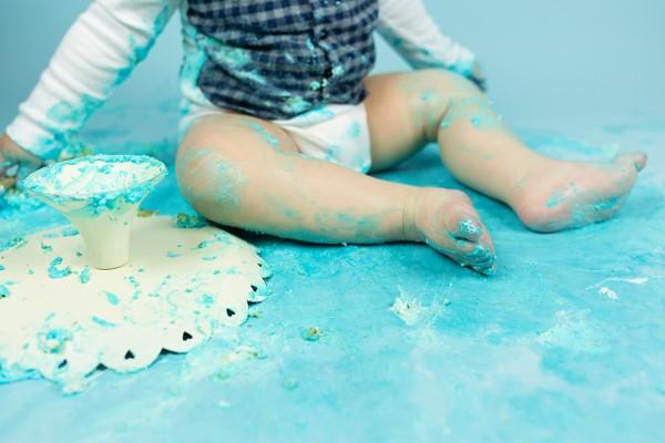 mali srčki - cake smash fotografiranje - prvi rojstni dan 6