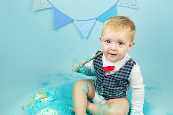 mali srčki - cake smash fotografiranje - prvi rojstni dan 7